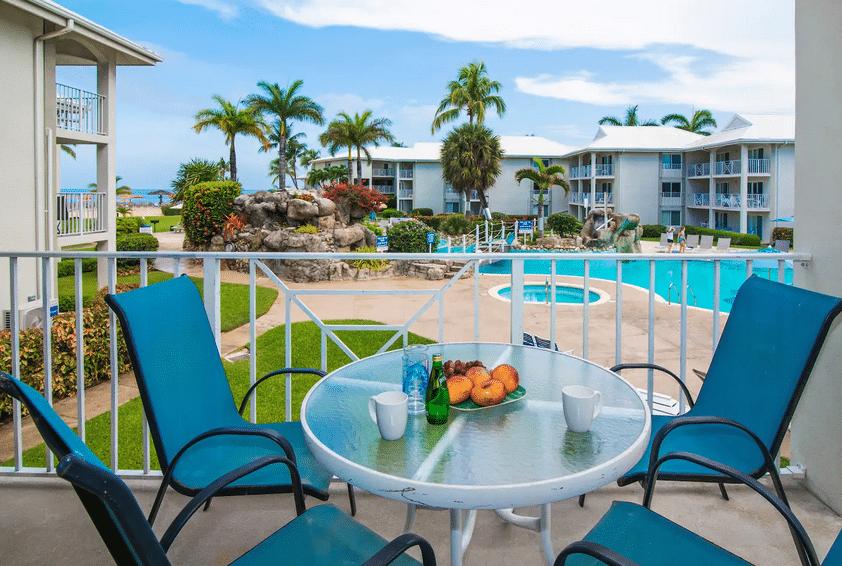 Sunset Cove, Grand Cayman, Seven Mile Beach